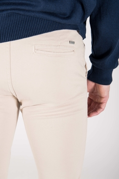 Chino Color Beige en internet