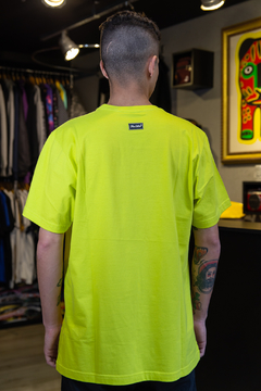 CAMISETA OTHER CULTURE TRAVIS NEON - OC1580 na internet