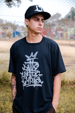 CAMISETA BATTLE IN THE CYPHER 10 ANOS PRETA - BITC-C03