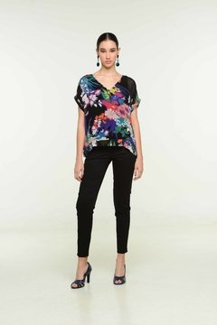 BLUSA KELLY 1V372 Y PANTALON ABRIL