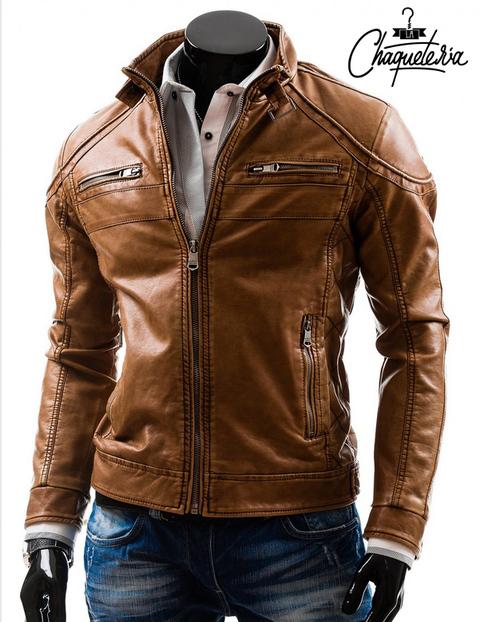 Las chaquetas de cuero para hombre son un imprescindible que no debería faltar en ningún armario masculino. Las chaquetas de cuero para hombre son un básico polivalente y esta imagen de la revista Fuuucking Young es la mejor muestra de ello.