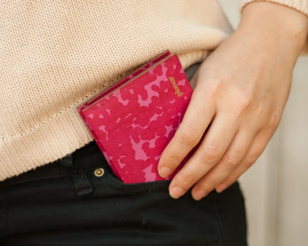 M Wallet Noise Pink