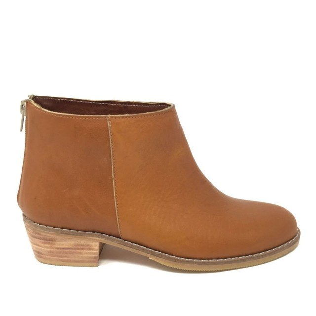 Roma Brown Boot (copia) on internet