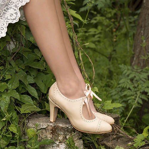 d0ae215c VALENTINA COLUGNATTI SHOES Zapatos de novia picados color Nude. 100% Cuero.
