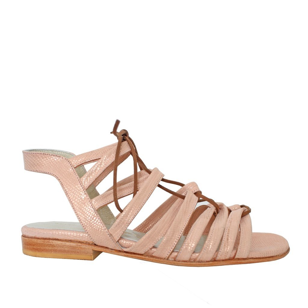Sandalias chatas franciscanas color rosa. 100% Cuero. Valentina Colugnatti  Shoes 32cca0846be