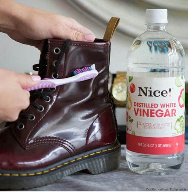8f155d2a Calzado de charol: Untá un hisopo con un poco de vaselina y pasalo donde se  desgastó el zapato de charol.