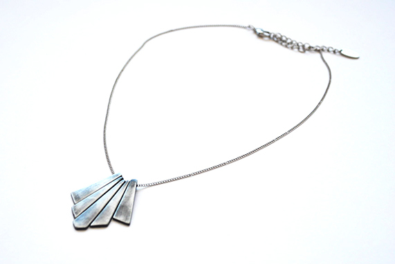 Collar Tiny Geometric en internet