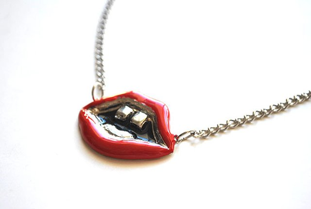 Collar Lips - buy online