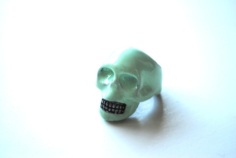 Anillo Calaveras Color