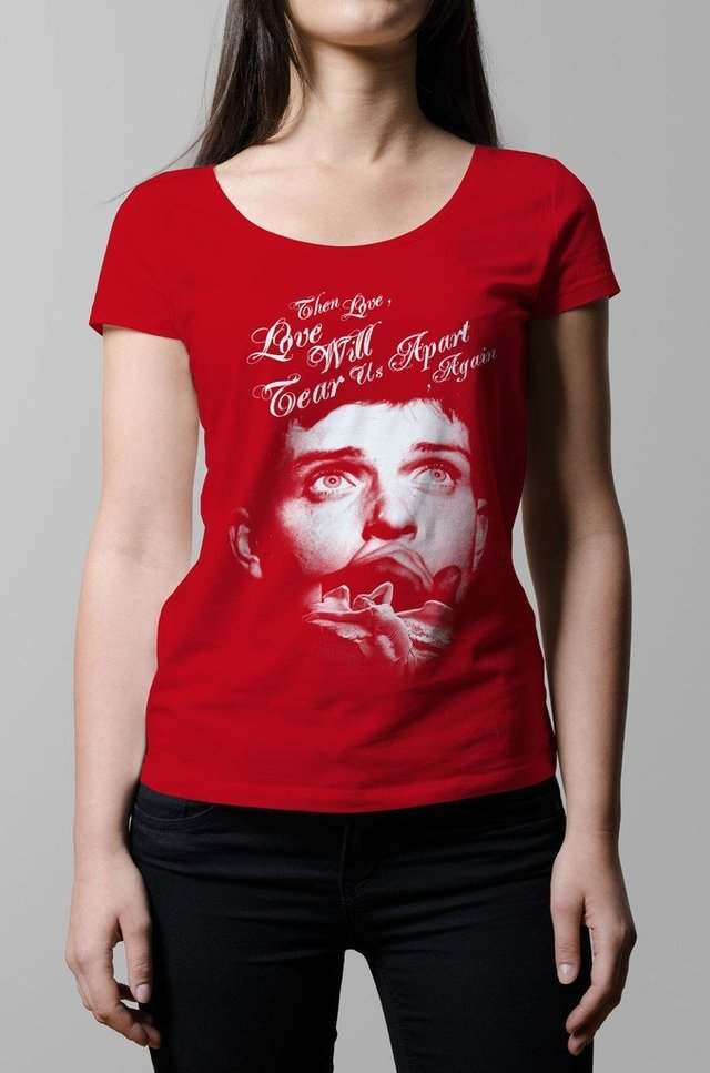 Remera Ian Curtis love will tear us apart roja mujer