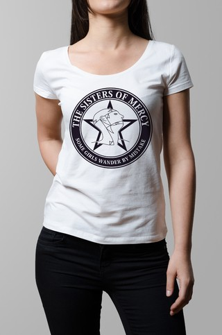 Remera blanca Sisters of Mercy mujer