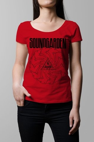 Remera Soundgarden roja mujer