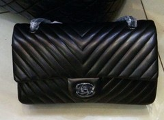 Bolsa 255 Classic Flap Chevron All Black - Italiana - loja online