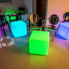 Asiento Alquiler Puff Cubos Led inalámbrico - comprar online