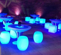 ASIENTO Puff Barril Taburete LED - Cotillón Luminoso y Alquiler de livings luminosos.