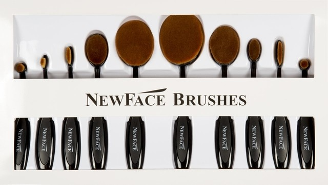 ESCOVA BLACK OVAL BRUSH KIT