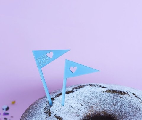 MINI cake toppers: Trío Banderines - shinjuku