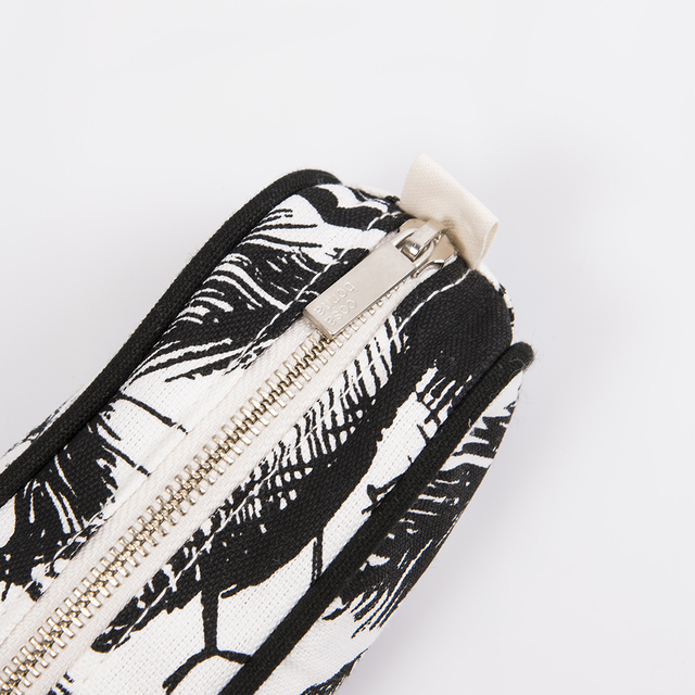 Angastaco Pencil case, ecru with black palm trees - Cosa Bonita