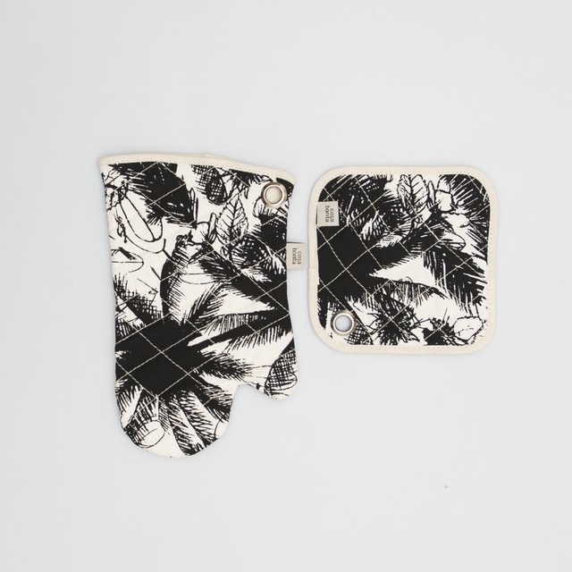 Traful Pot Holder & Oven Mit, ecru with black palm trees