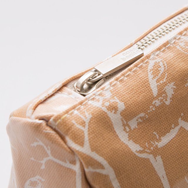 Fiambalá Pouch, plasticized, salmon with white animals - Cosa Bonita