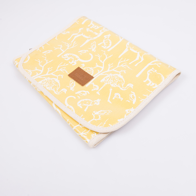 Aguamarina Pouch, plasticized, yellow with white animals   - buy online