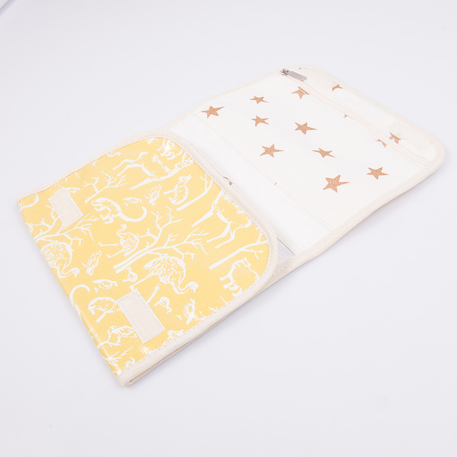 Aguamarina Pouch, plasticized, yellow with white animals   on internet