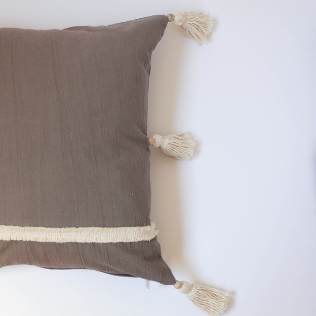 Medium Jazmin Cushion, taupe with ecru fringes - Cosa Bonita
