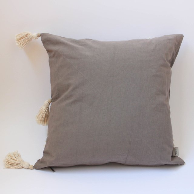 Medium Jazmin Cushion, taupe with ecru fringes - online store