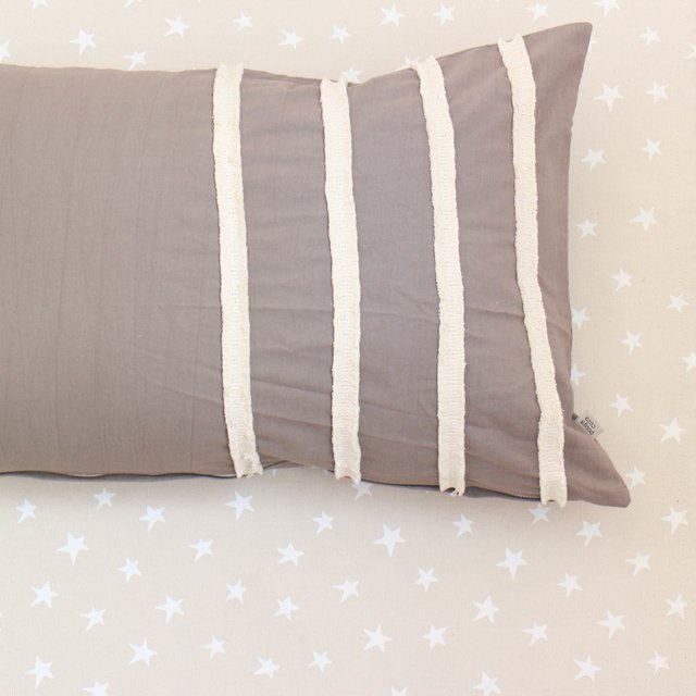 Tall Jazmin Cushion, taupe with ecru fringes - online store