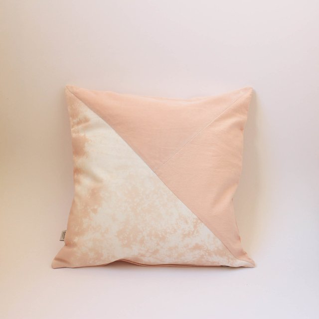 Crisantemo Cushion, pink with velvet - buy online