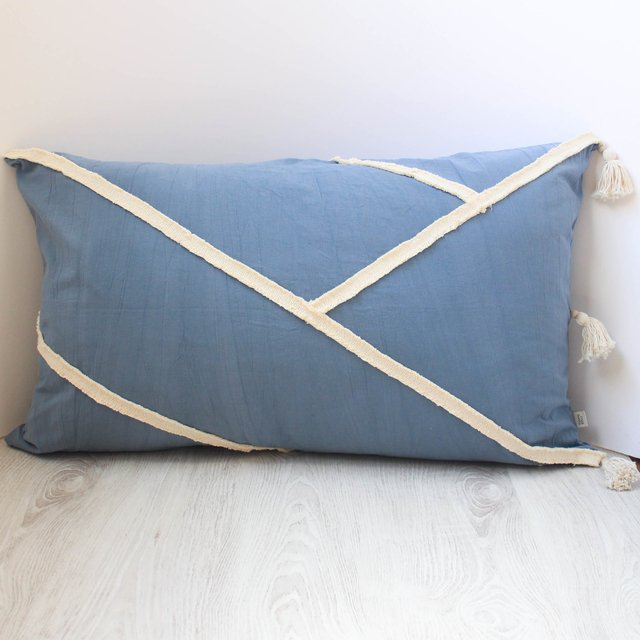 XL Jazmín Cushion, blue with ecru fringes - buy online