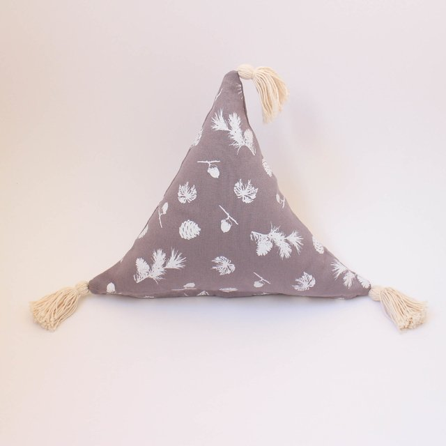 Triangle Cushion, taupe with white pine cones - buy online
