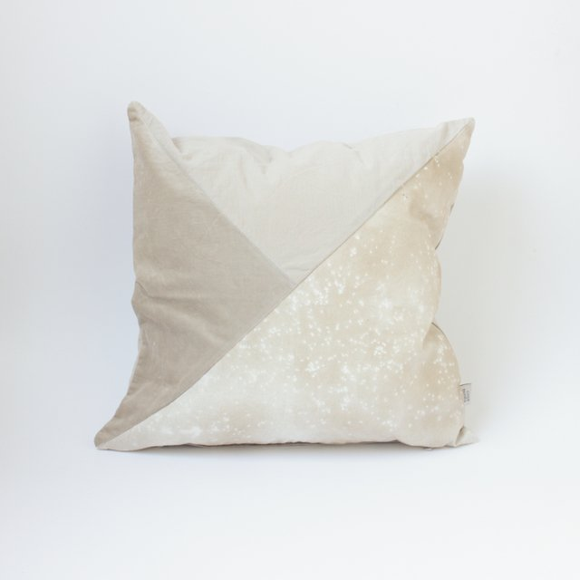 Crisantemo Cushion, beige with velvet - buy online