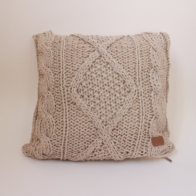 Medium Hong Kong Cushion, beige cable stitch