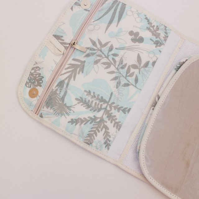 Aguamarina Pouch, plasticized, beige on internet