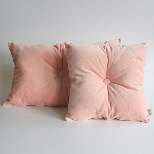 Magoo Cushion, pink velvet