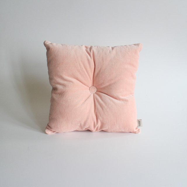 Magoo Cushion, pink velvet - buy online