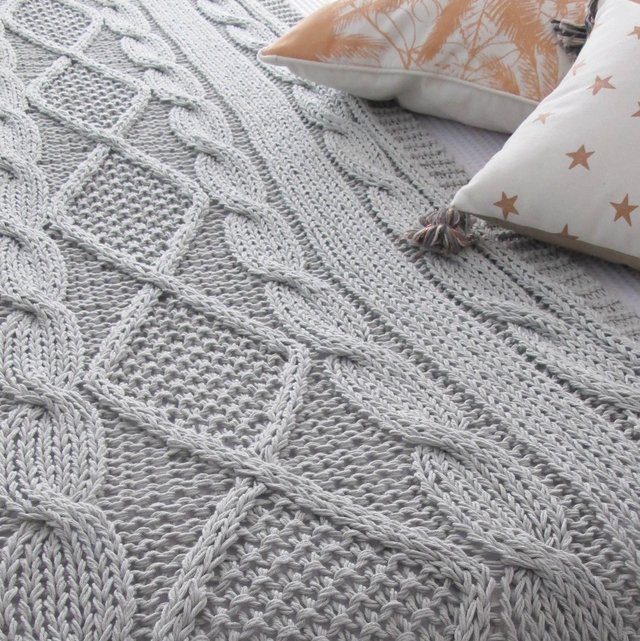 Minsk Throw, pearl grey cable stitch - buy online