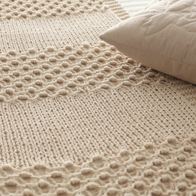 Miyagui Throw, ecru eyelet stitch