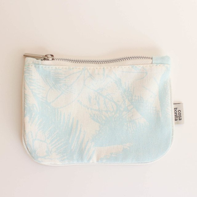 Susques Purse, ecru with light blue palm trees