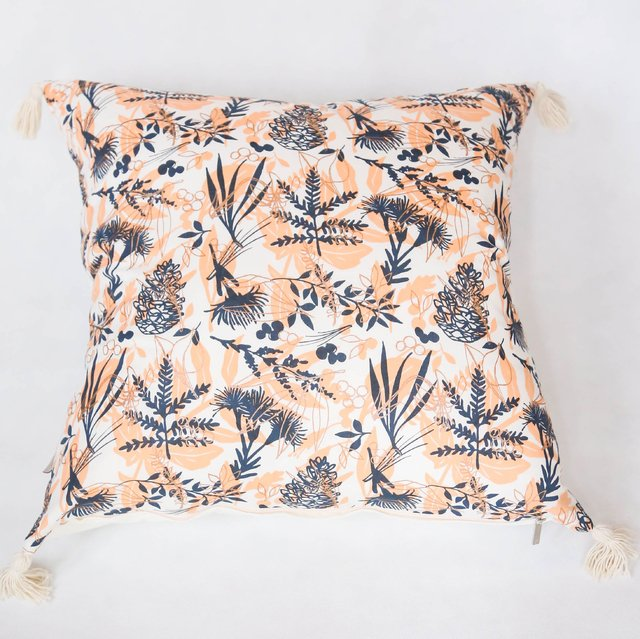 Esmeralda Cushion, salmon & cooper leaves