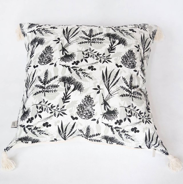 Esmeralda Cushion, black & silver leaves