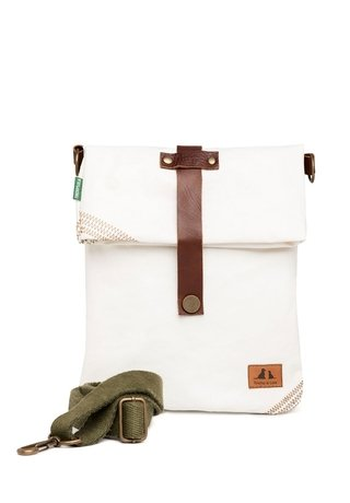 Hampton Sailors® Messenger on internet
