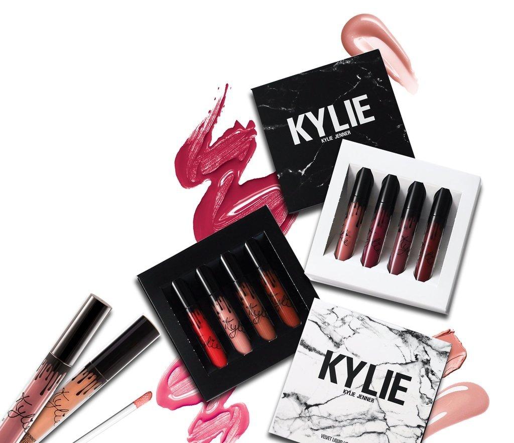 Labiales Velvet  de 4 u - Kylie jenner - x 12 u.