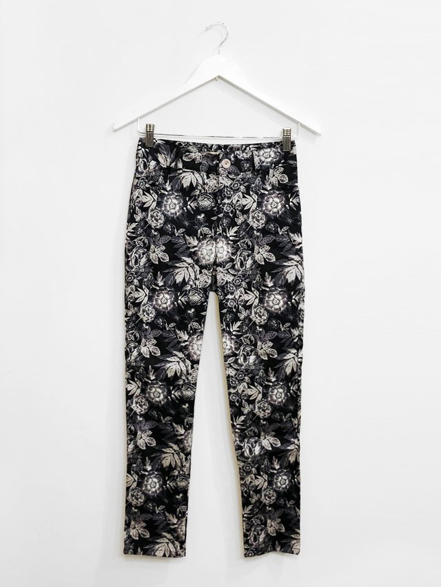 Pantalon Mike Flores en internet