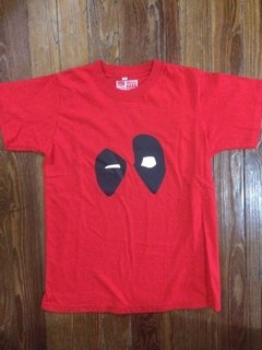 Remera de Deadpool talle 14