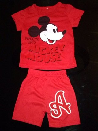 Conjunto de short e camiseta Mickey Mouse