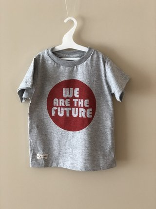 Remera We are the Future