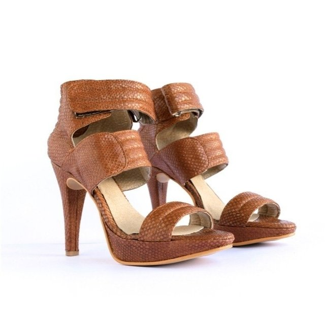 Cartney Suela - comprar online