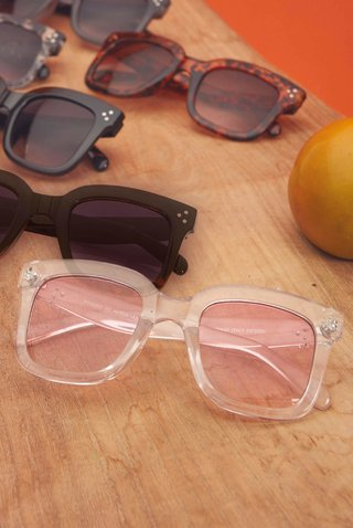 oculos de sol rosa transparente square 839606 new beach